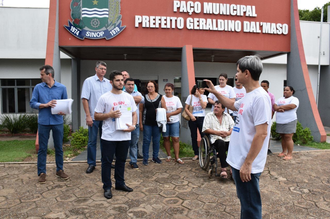 Ícaro protocola mais de 28 mil assinaturas coletadas em petição pública
